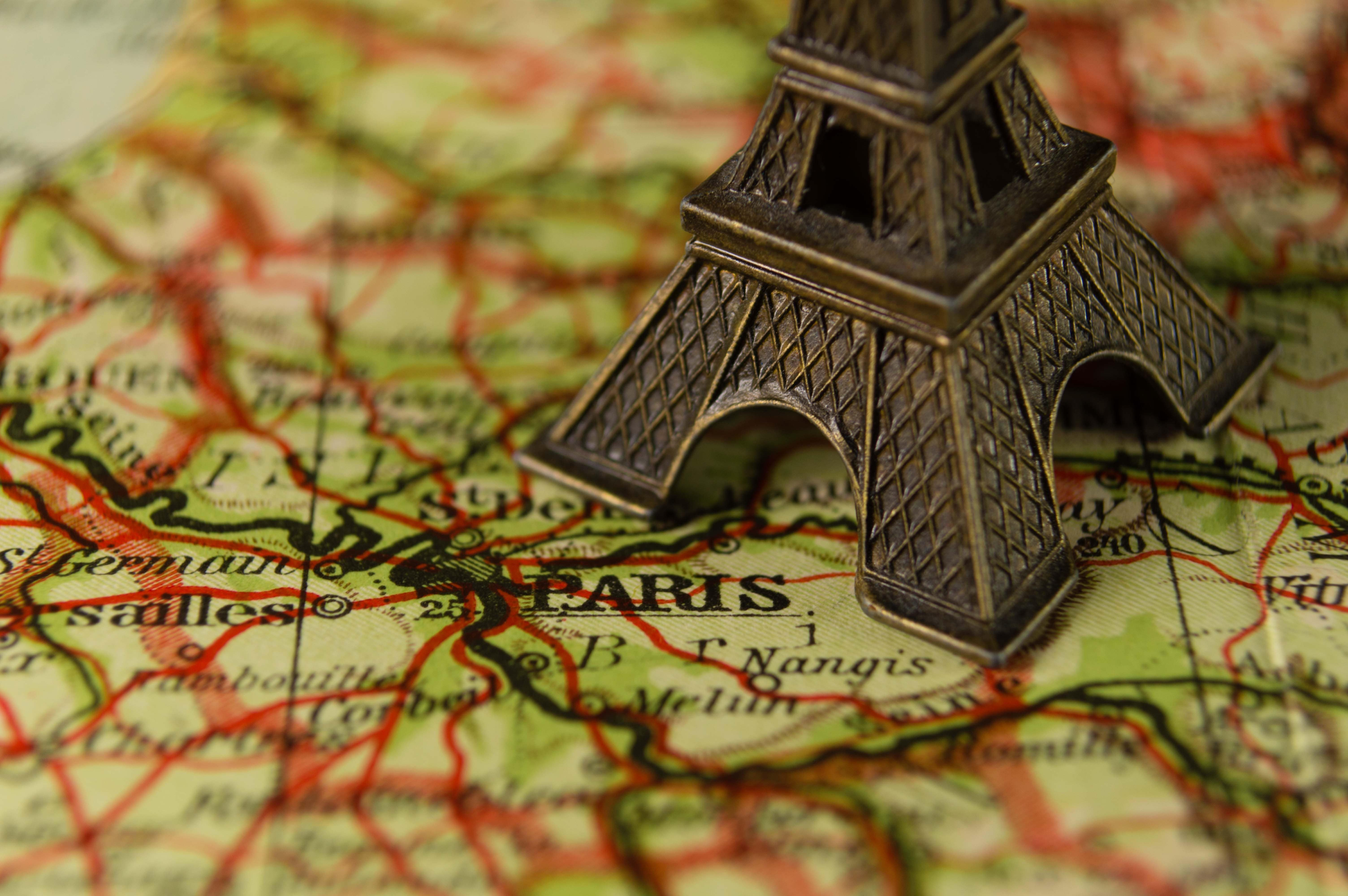 Moving to Paris - A Guide