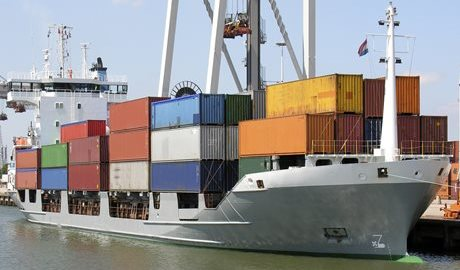 What is the difference between full container shipping and groupage shipping?